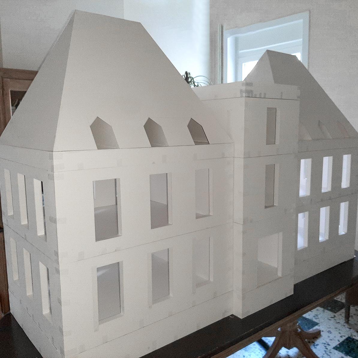 Le château de Moulinsart plus petit que nature