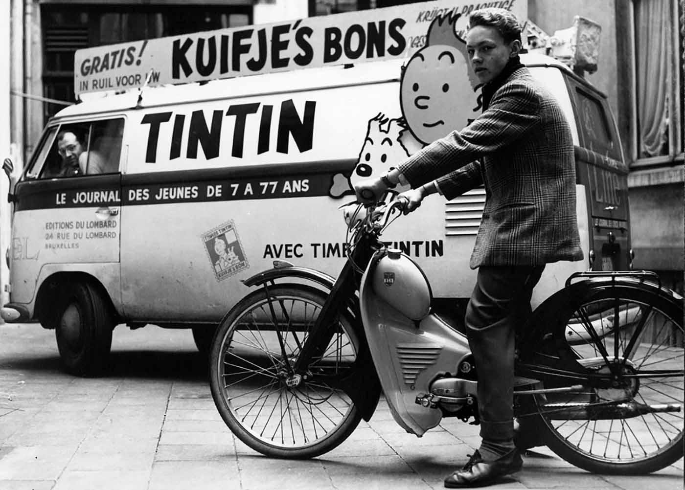Camion publicitaire pour le Journal Tintin