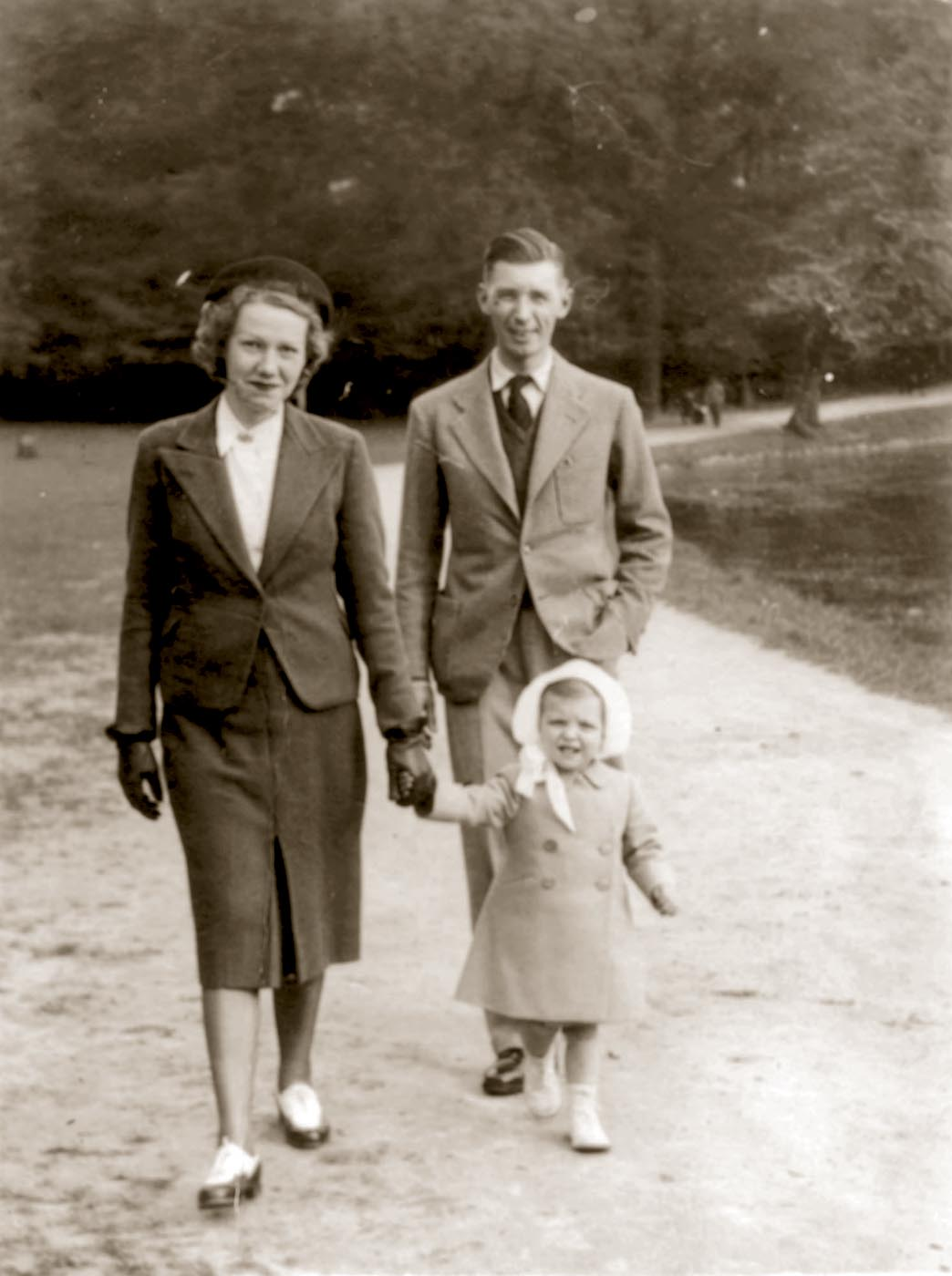 Hergé and Germaine in 1940